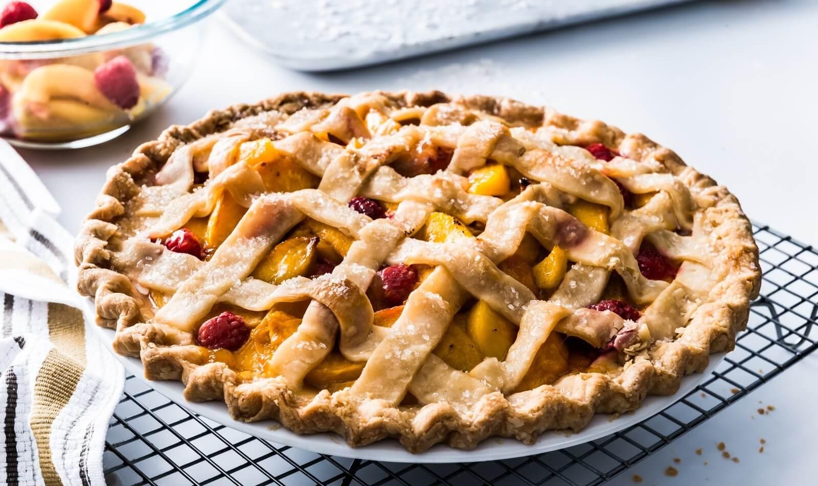 Пироги с персиками