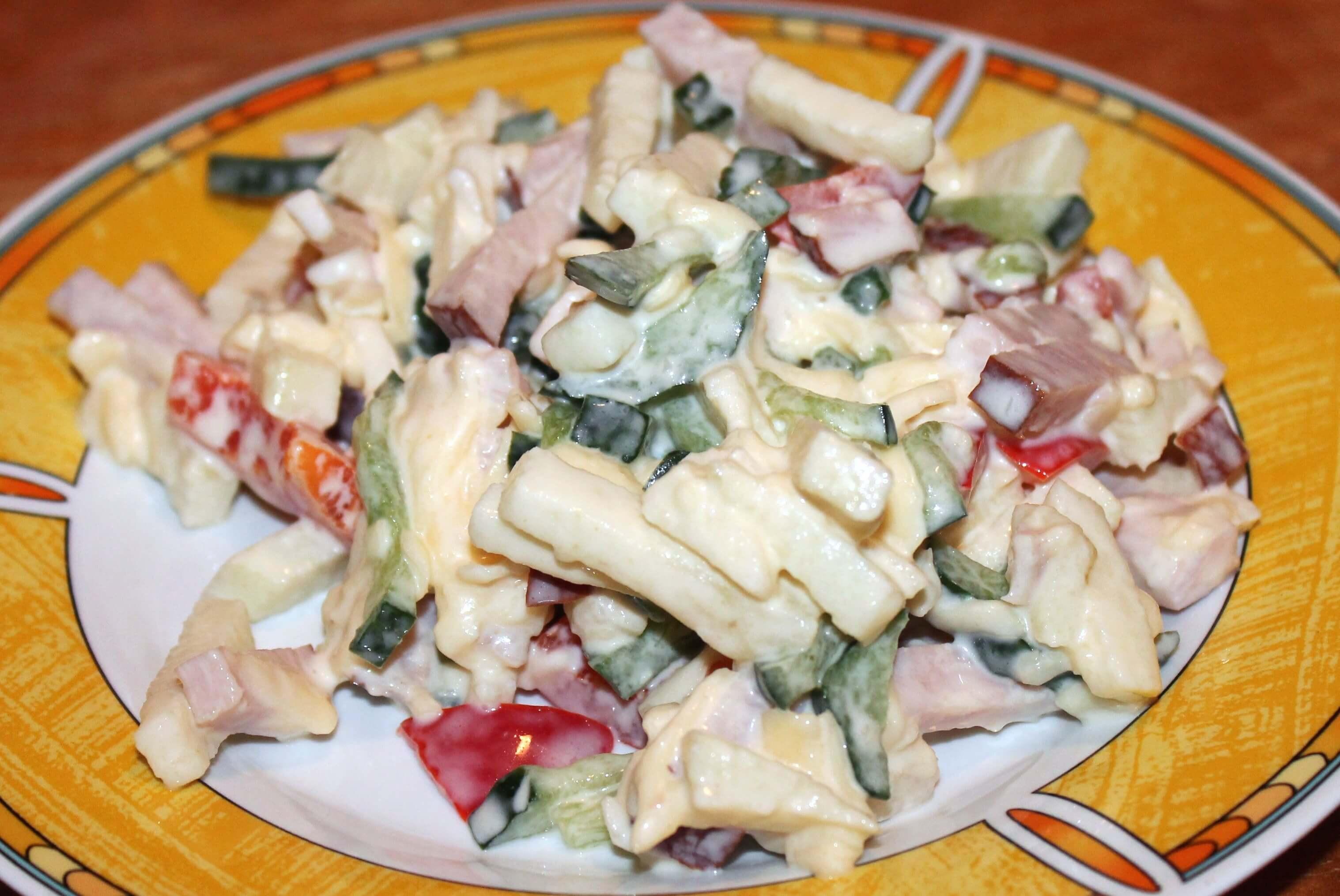 простое рецепты салатов,где присутствуют майонез и сыр
