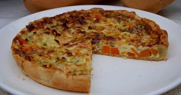 Ароматный пирог с тыквой и сыром