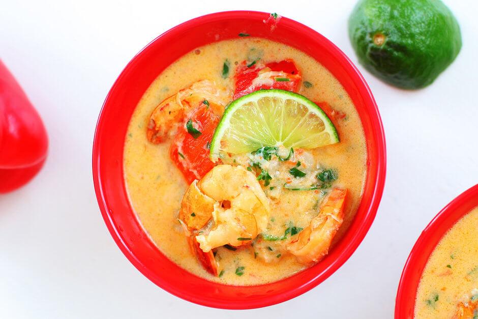 Бразильский гуляш из морепродуктов и овощей