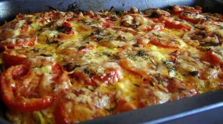 Фантастически вкусное блюдо: запеканка из кабачков с фаршем и помидорами!