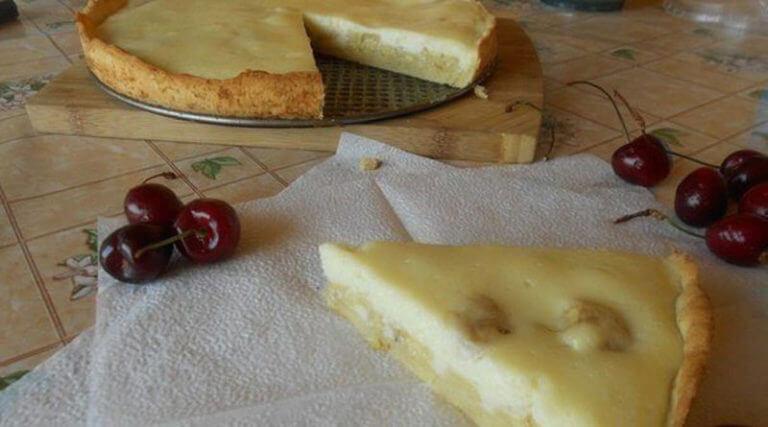 Как приготовить быстрый пирог с банановой начинкой
