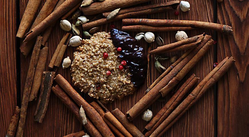 Как приготовить постное печенье с лесными орехами и пряностями