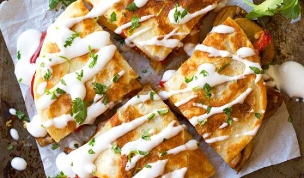 Кесадилья с сыром и грибами