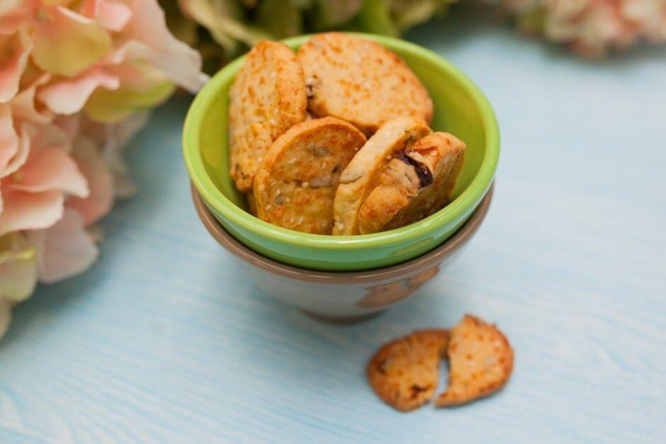 Хрустящее сырное печенье с прованскими травами