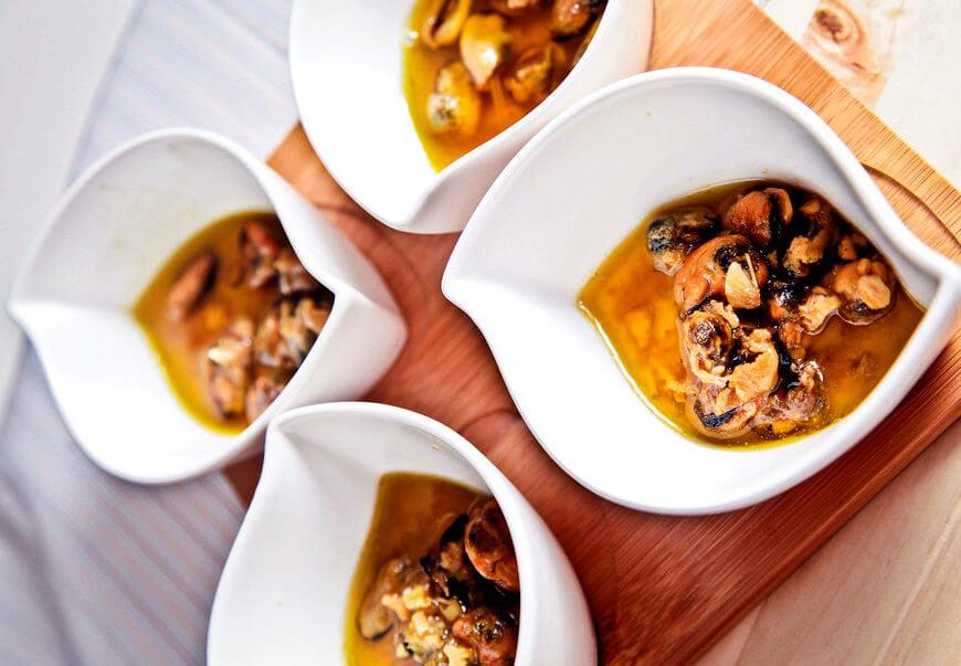 Мидии в чесночном масле – отличная испанская закуска!