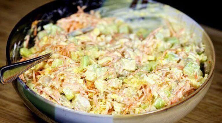 Морковный салат по-корейски с курицей и огурцами: пошаговый рецепт