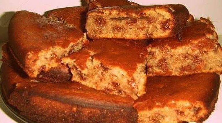 Очень простой и вкусный пирог с вареньем