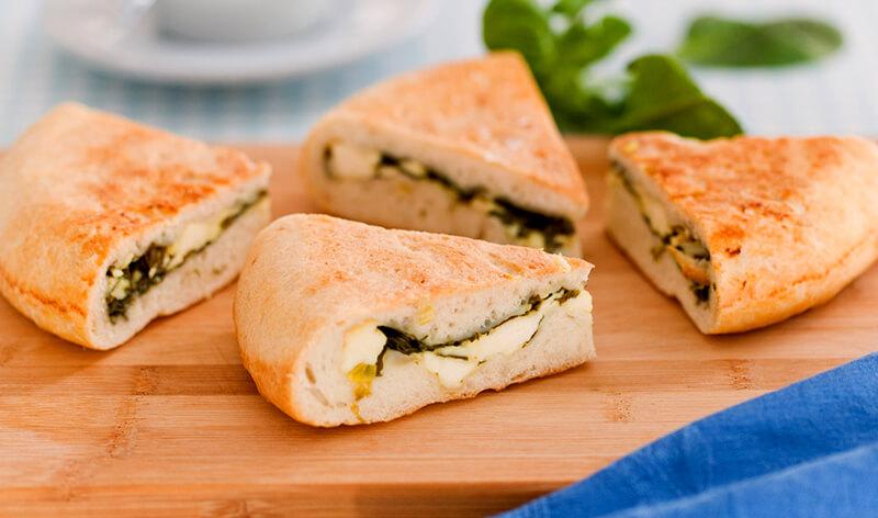 Осетинский пирог с сыром и зеленью в мультиварке