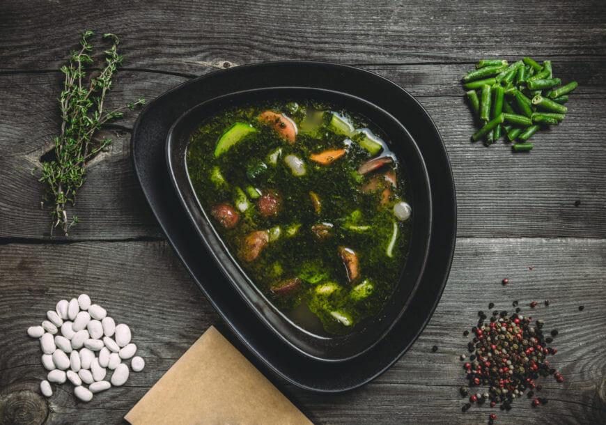 Овощной французский суп «Писту» с цукини и фасолью