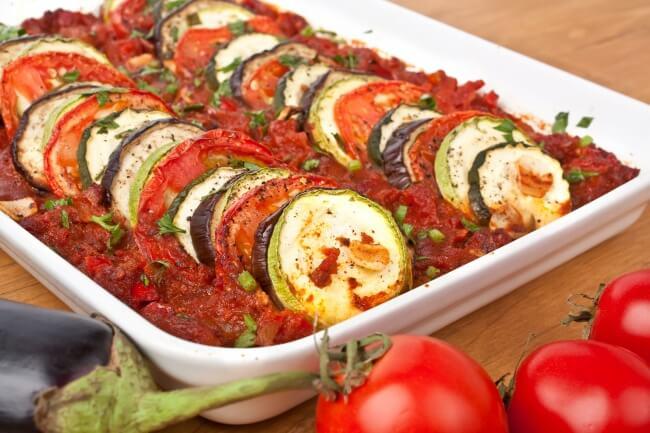 Печеные овощи в томатном соусе