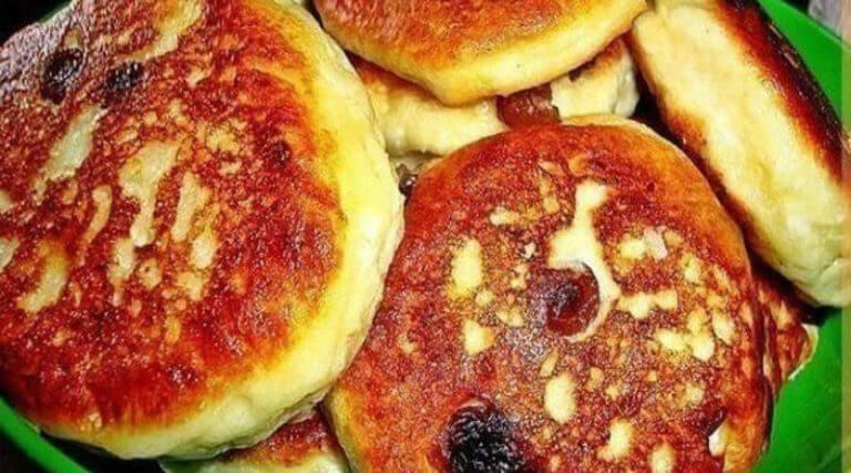 Потрясающе пышные оладьи на завтрак: пошаговый рецепт