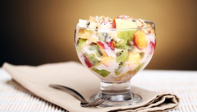 Рецепт фруктового салата с йогуртом