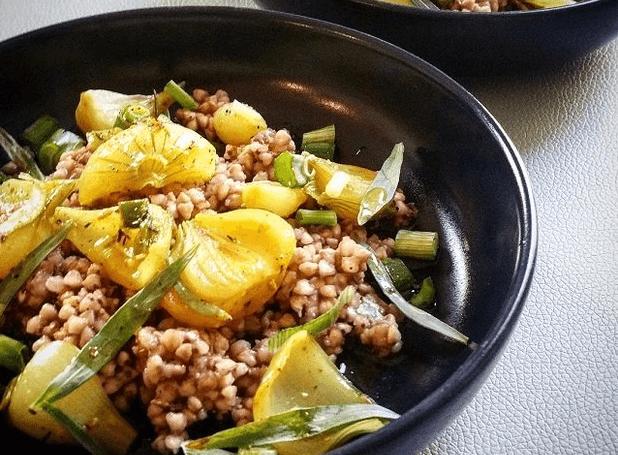 Рецепт гречки с молодым луком