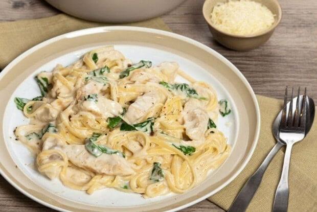 Рецепт приготовления нежной итальянской пасты с куриным филе под сливочным соусом