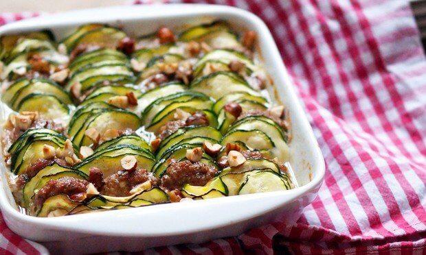 Рецепт сытной овощной запеканки с фрикадельками