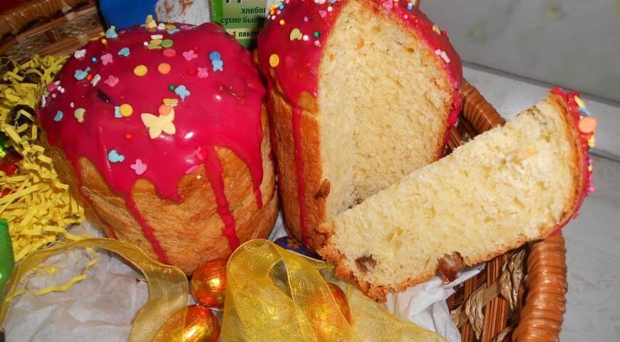 Рецепт творожного кулича (пасхи) с изюмом и вишневой глазурью
