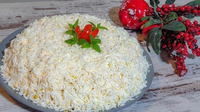 Праздничный салат «НЕВЕСТA» с копченой курицей