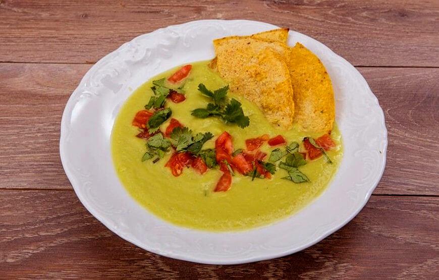 Суп-пюре из авокадо с кукурузными лепешками