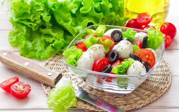ТОП-5 ценных советов: как приготовить легкий салат