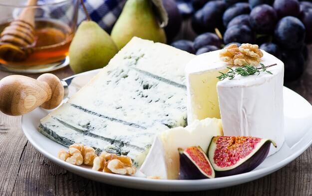 ТОП-6 правил: как правильно собрать сырную тарелку