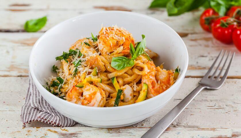 Ужин в Италии: фетучини с креветками в сливочном соусе