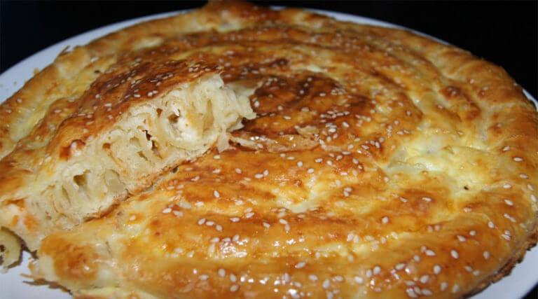 Восхитительный слоеный пирог Улитка с нежным сыром