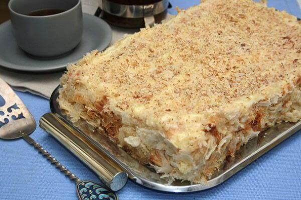 Восхитительный торт «Наполеон» из самого быстрого слоеного теста