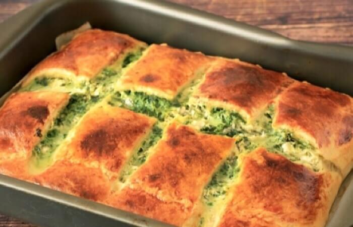 Аппетитный греческий слоеный пирог со шпинатом