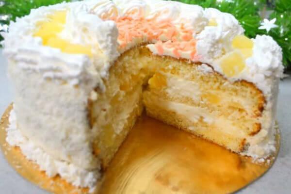 Бисквитный торт с ананасами «Пина колада»: пошаговый рецепт приготовления
