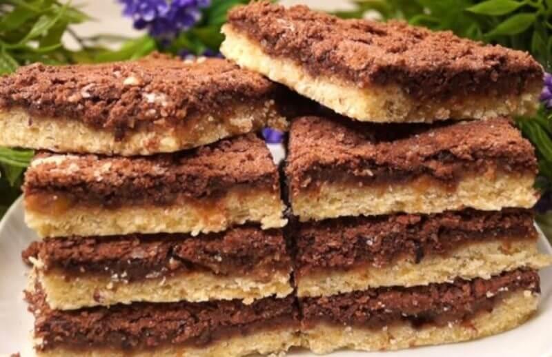 Вкусное домашнее печенье с яблоками и черносливом