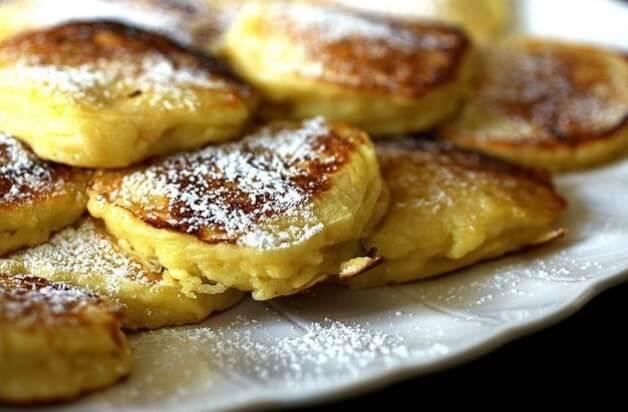 Яблочные оладьи на завтрак. Простой рецепт за пару минут!