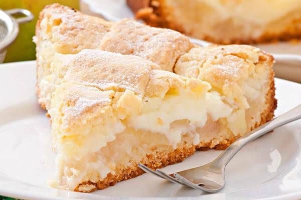 Яблочный пирог с кремом: простой и вкусный рецепт!