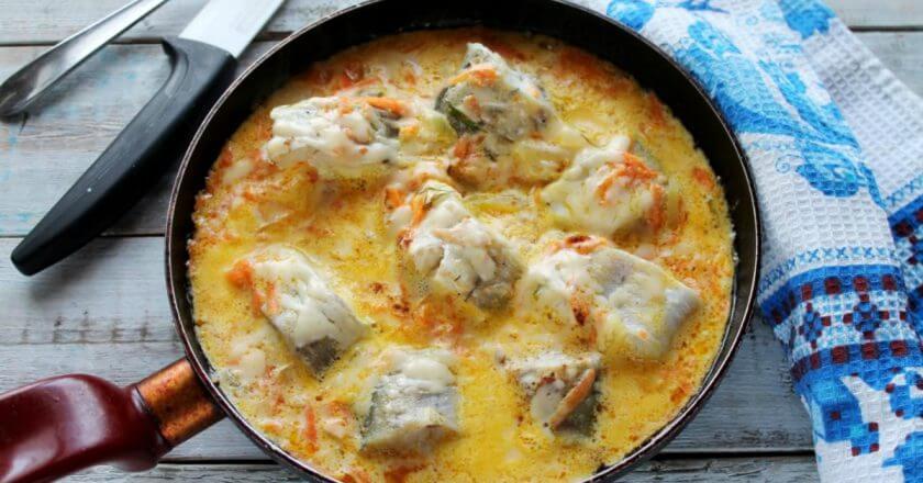 Как приготовить рыбу минтай в сметанном соусе
