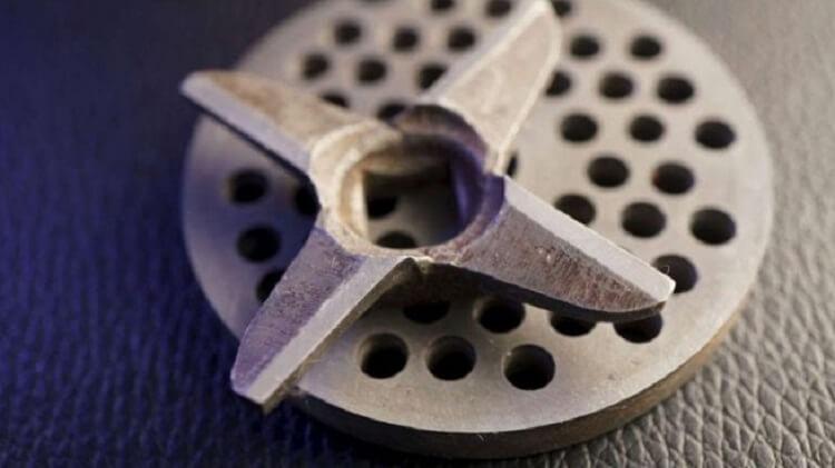 Как заточить нож от мясорубки в домашних условиях!