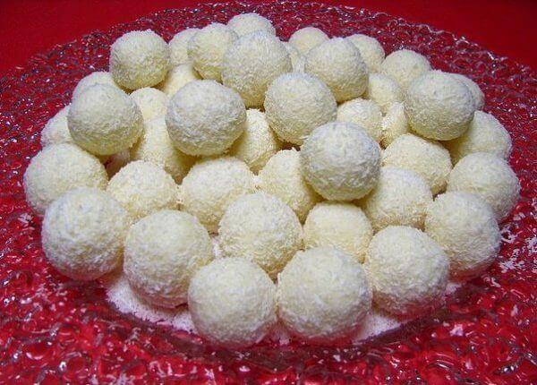 Как приготовить домашние конфетки «Рафаэлло»