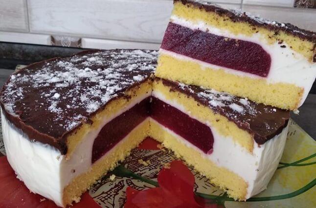 Легкий торт суфле с клубничным желе
