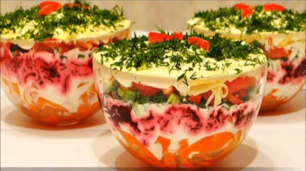 Слоеный салат с болгарским перцем
