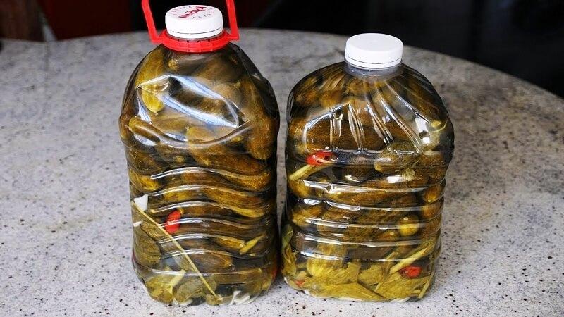 Огурцы в пластиковой бутылке, как бочковые!