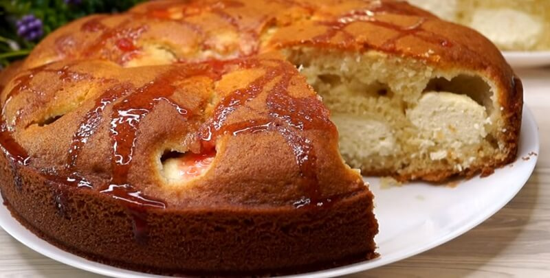 Пирог на кефире с творожной начинкой