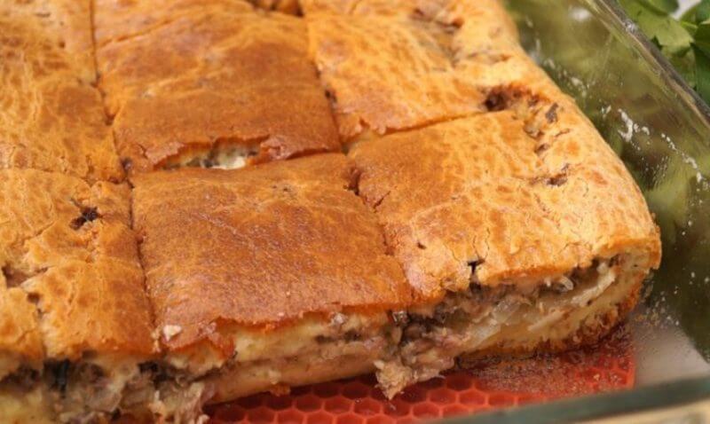 Заливной пирог с рыбой сайрой и картошкой «Выручайка»