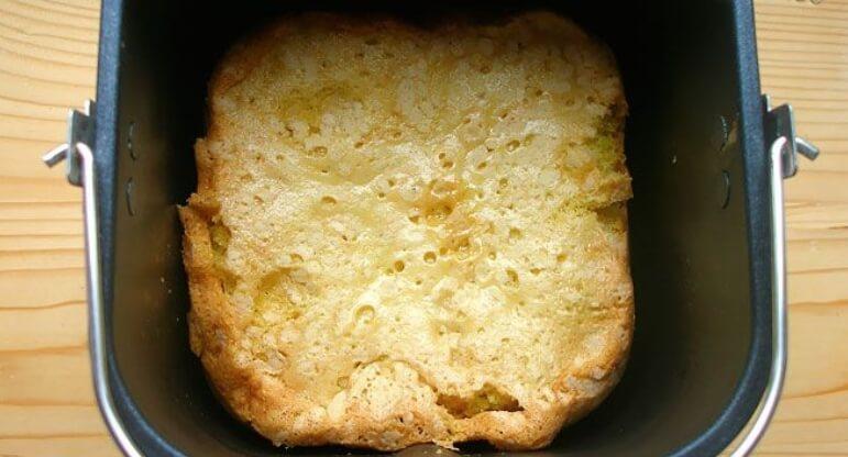 Пошаговый рецепт шарлотки с яблоками и сливами в хлебопечке