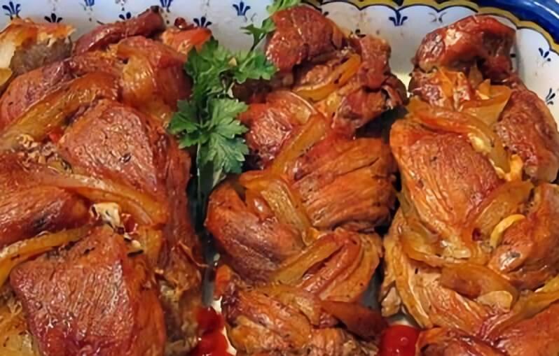 Праздничное блюдо из свиной вырезки