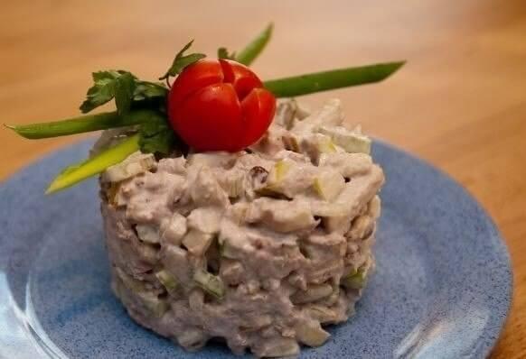 Потрясающе вкусный салат «Загадка»