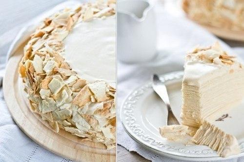 Праздничный торт «Наполеон» с кремом из сгущенки