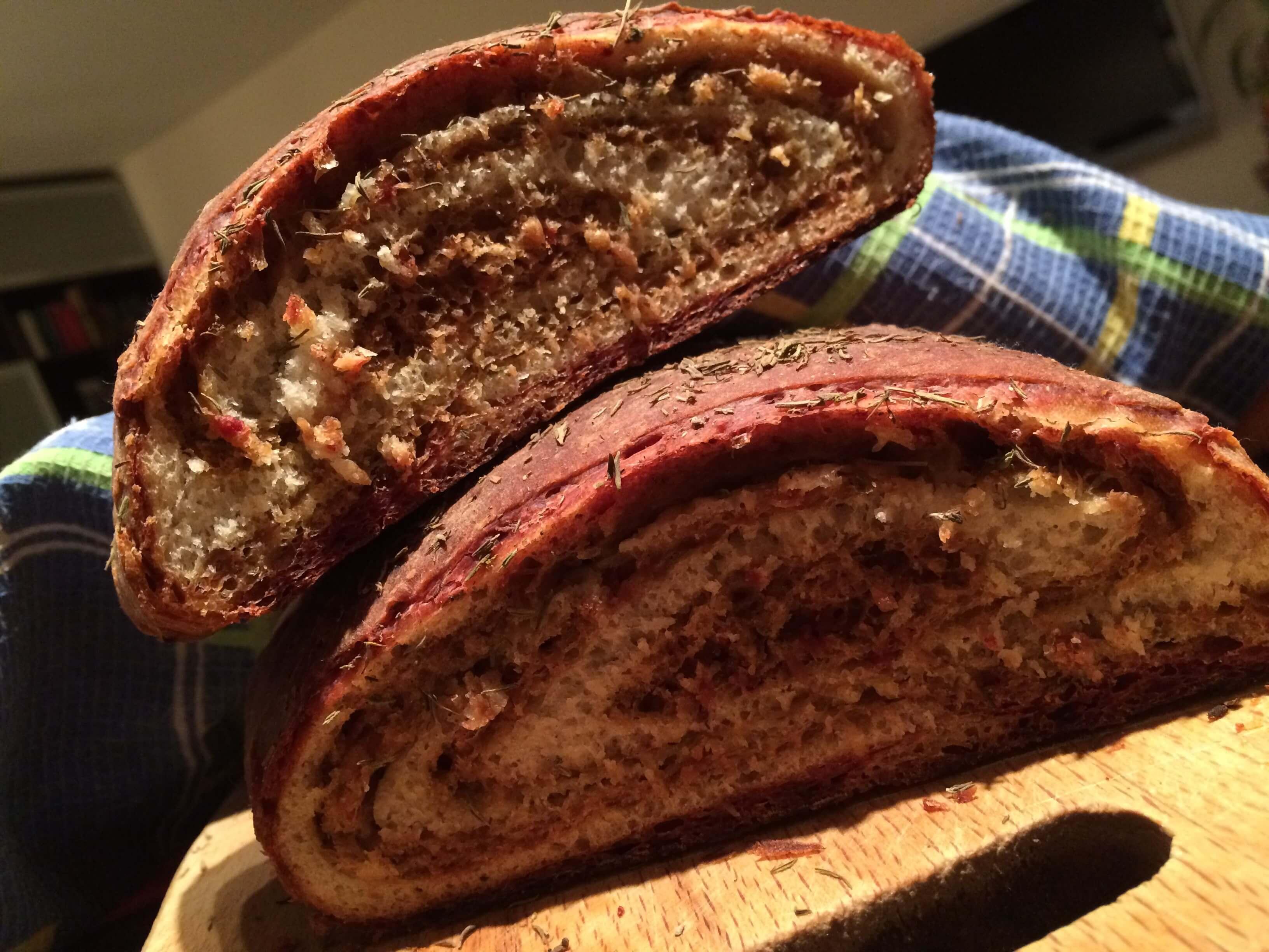 Простой и вкусный рецепт хлеба со свеклой (Свекольный хлеб)