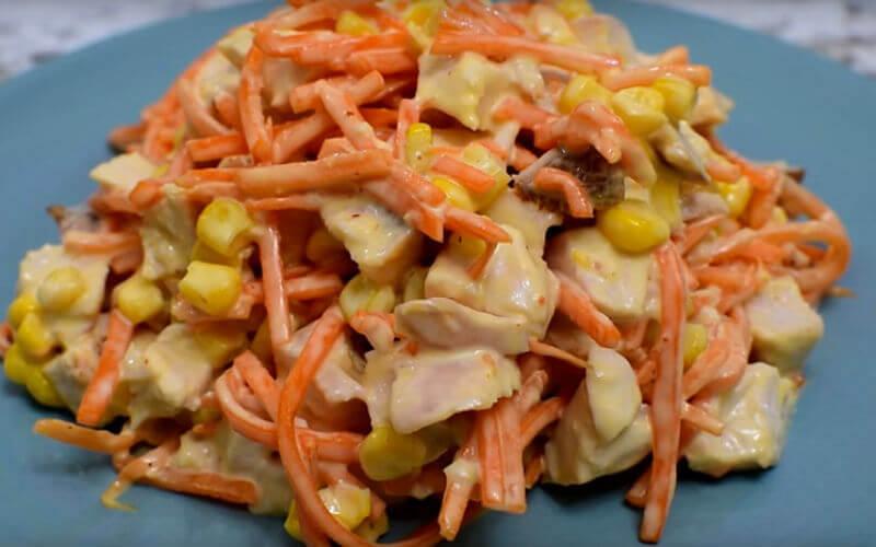 Салат всего из трех ингредиентов: получился неожиданно вкусным
