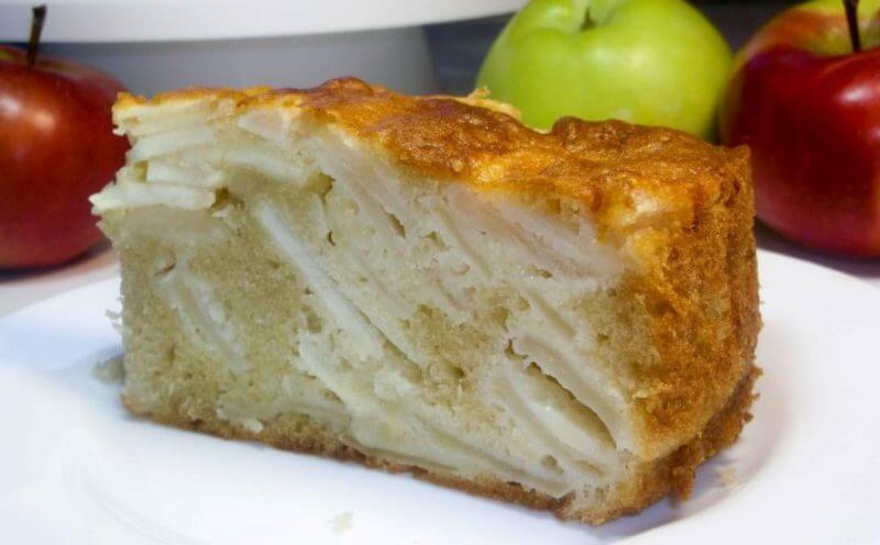 Простой рецепт вкусной шарлотки с яблоками. Готовим без миксера!