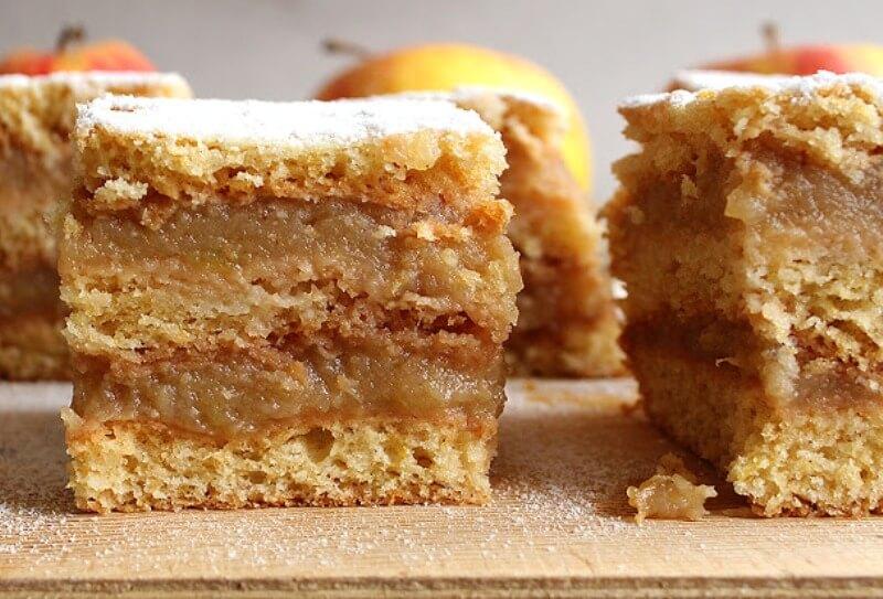 Простой рецепт: слоеный яблочный пирог из песочного теста