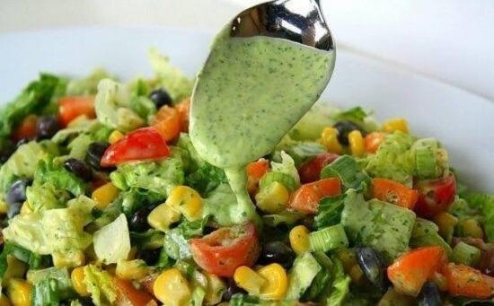 Сытный фитнес-салатик с оригинальным вкусом!